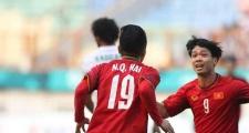 Fan 'phát cuồng' với pha phối hợp 'như Barca' của Quang Hải và Công Phượng