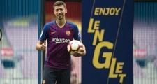 Lenglet: 'Thật vui khi không phải đối đầu với Messi'