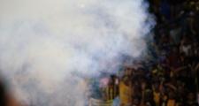 Đốt pháo, quậy tưng bừng trận bán kết, CĐV chủ nhà Malaysia thoát án