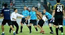 Điểm tin bóng đá Việt Nam sáng 07/07: Hooligan Nam Định tấn công trọng tài