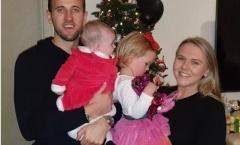 Harry Kane và gia đình bên trong căn biệt thự có giá 17 triệu bảng