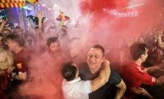Cổ động viên Liverpool 'quẩy' banh nóc sau chức vô địch C1