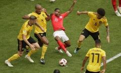 Sterling bị 'bủa vây' như Messi; Harry Kane tiếp tục 'tàng hình'