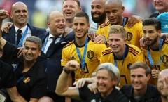Nụ cười 'gượng gạo' của Eden Hazard khi nhận huy chương Đồng World Cup