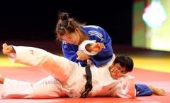 Võ sĩ judo Như Ý bật khóc nức nở sau khi đoạt HCV ở tuổi 34