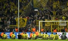 Tình yêu bóng đá tuyệt vời của các CĐV Dortmund