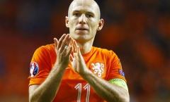 Lần đầu lĩnh ấn, Arjen Robben lại gặp 'vận hạn'