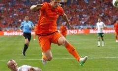 Kazakhstan 1-2 Hà Lan (Vòng loại Euro 2016)