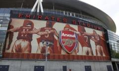 SVĐ Emirates đã khiến Arsenal trả giá suốt 10 năm qua