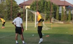 HLV thủ môn Muangthong trải lòng về suất bắt chính của Văn Lâm