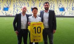 NÓNG: Sint-Truiden chiêu mộ 'Messi Hàn', báo động đỏ cho Công Phượng