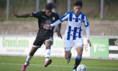HLV Heerenveen tiết lộ đội hình, Đoàn Văn Hậu hết cửa đá chính trận gặp Feyenoord?