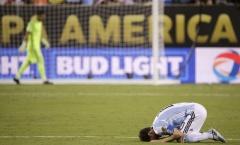 Messi đổ gục sau khi đá hỏng penalty, dâng chức vô địch cho Chile