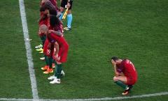 Ronaldo núp lưng đồng đội: Ai diễn giỏi hơn CR7?