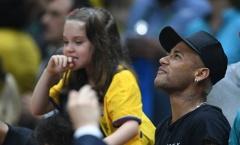 Neymar cổ vũ tuyển bóng chuyền nam Brazil giành HCV