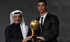 Nhận giải lớn, Ronaldo lờ Real, tố FIFA 'chẳng biết gì về bóng đá'