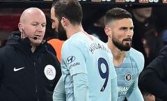 Bực bội vì bất công, Giroud bất mãn vạch trần thầy trò Sarri - Higuain