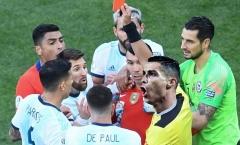 Cười ra nước mắt với loạt ảnh chế Messi dính thẻ đỏ
