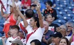 Vẻ đẹp mê hồn của CĐV nữ tại Copa America 2016