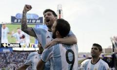 Argentina đại thắng, Messi cân bằng kỉ lục của Batistuta