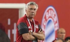 Carlo Ancelotti chỉ trích những 'tay cò' bóng đá