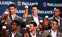 Oktoberfest: Lễ hội bao trùm Munich, Hùm xám phủ bóng Bundesliga