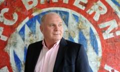 'Bố già' Hoeness chính thức trở lại cương vị Chủ tịch của Bayern