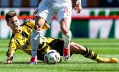 NÓNG: Sao Dortmund vỡ xương mắt cá, nghỉ 4 tháng