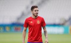 U21 Tây Ban Nha ôm nhau 'thắm thiết' trên sân tập