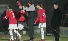 Bạn có nhớ? Đội hình Man Utd có Rooney, Ronaldo bị Burton cầm hòa năm 2006