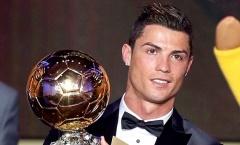 Ronaldo gửi QBV đi đấu giá vì mục đích cao cả