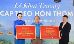 HLV Park Hang Seo đại diện U23 Việt Nam nhận 1 tỷ đồng và voucher nghỉ dưỡng tại JW Marriott Phu Quoc Emerald Bay