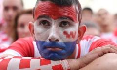 Từ Paris tới Zagreb: Cảm xúc đau đớn và ngây ngất trái ngược giữa CĐV Pháp và Croatia