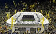Bạn đã hiểu vì sao các khán đài Bundesliga luôn đầy ắp CĐV chưa?