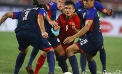 Nhìn 4 cầu thủ Philippines chặt chém Quang Hải, đến Messi cũng chẳng khổ hơn