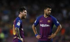 Barcelona âm thầm tìm người thay Messi lẫn Suarez