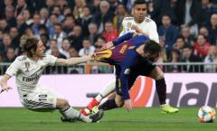 Real thua tan nát, CĐV 'phì cười' trước cách Modric theo kèm Messi