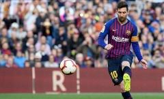 Không hội quân cùng Barca, Messi đang làm gì?