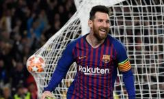 Messi sút phạt thần sầu, huyền thoại Man United phản ứng 'khó tin'