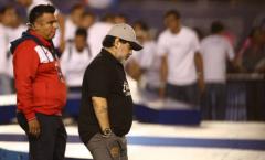 Một năm tại Mexico, 'Cậu bé vàng' Maradona đã thành 'Cậu bé bạc'