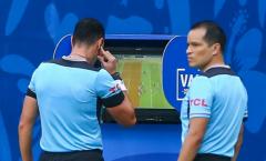 VAR tiếp tục xuất hiện tại Copa America, định đoạt luôn trận đấu