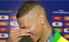 SỐC! Sao Brazil tặng bàn thắng cho người anh không nhớ tên