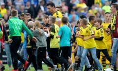 Chào mừng thủ lĩnh trở về, Dortmund đại thắng tỉ số 10-0
