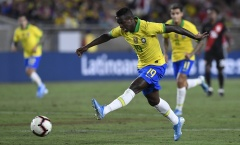 Thuyền trưởng đội tuyển Brazil báo tin dữ cho sao Real