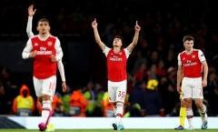 'Thần đồng' chói sáng, fan Arsenal phấn khích: 'Cảm ơn Man Utd'