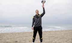 Vẻ ngoài soái ca nơi tân binh 'vạn đội mê' của Borussia Dortmund