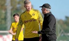 Đến Dortmund chưa lâu, 'bom tấn hụt' của M.U đã được HLV trưởng khen nức nở