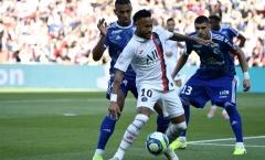 CHÍNH THỨC: Virus Corona ập đến, Ligue 1 hoãn trận Strasbourg và PSG