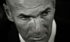 """Zidane quá ngán ngẩm với """"vì tinh tú"""" của chủ tịch Perez"""
