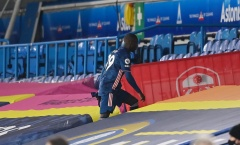 Nicolas Pepe non nớt khi dùng 'thiết đầu công' hạ gục đối thủ
